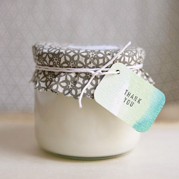 diy candles for unique thoughtful wedding favour