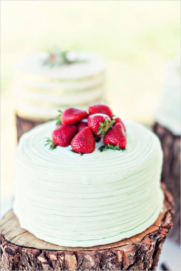 Green, Red & Pink Blush Wedding Inspiration: Wedding Colour Ideas