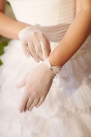 pretty sheer wedding gloves - Copy