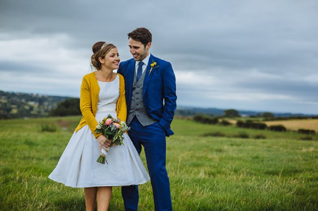 Blue & Mustard Rustic Barn Wedding With 50s Wedding Dress_0059