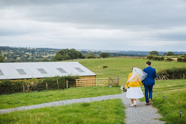 Blue & Mustard Rustic Barn Wedding With 50s Wedding Dress_0061
