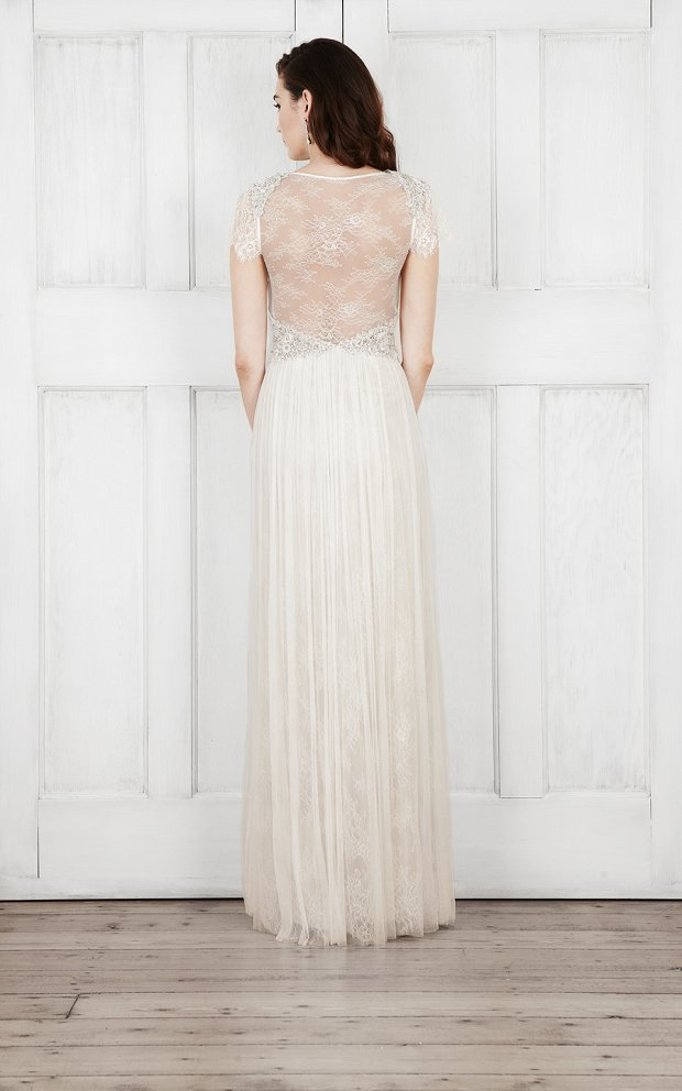 Catherine Deane Bridal 2015 Wedding Dresses For Modern Brides Looking For a Touch of Romantic Nostalgia_0025