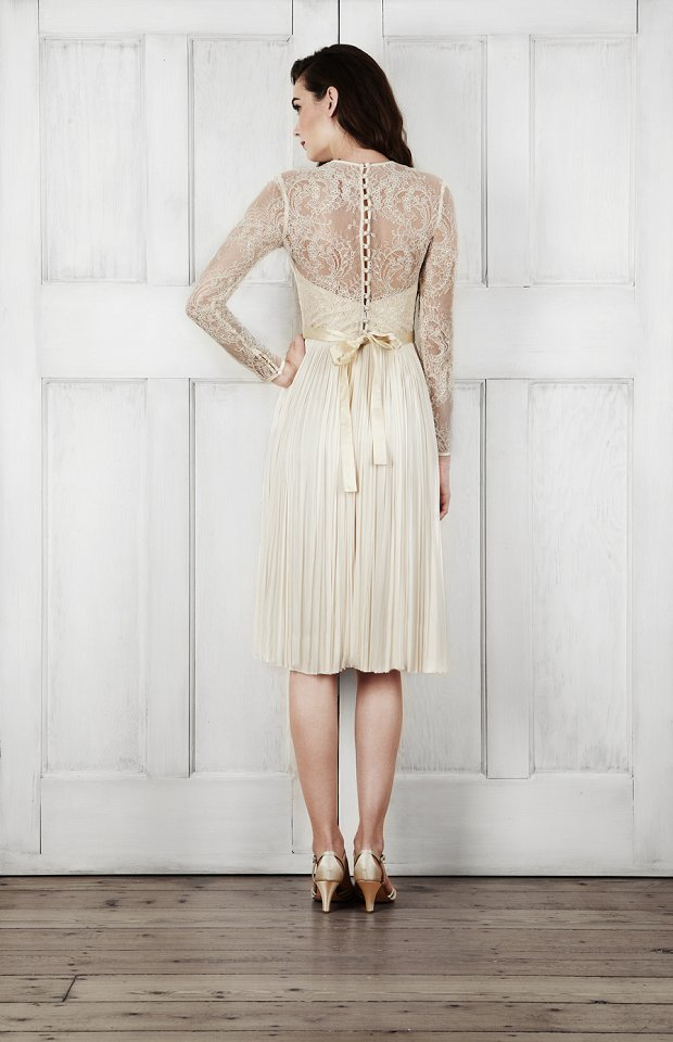 Catherine Deane Bridal 2015 Wedding Dresses For Modern Brides Looking For a Touch of Romantic Nostalgia_0055