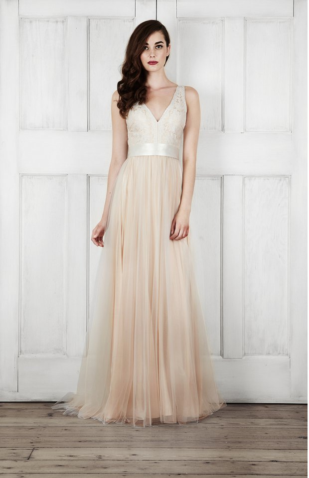 Catherine Deane Bridal 2015 Wedding Dresses For Modern Brides Looking For a Touch of Romantic Nostalgia_0060