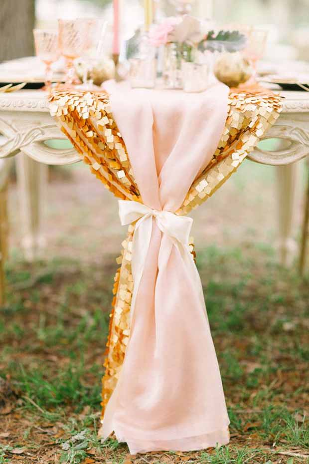 26 ridiculously pretty seriously creative wedding table runners 26 ridiculously pretty seriously creative wedding table runners you want junglespirit