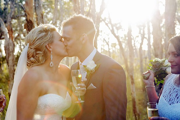 An Old School Romantic DIY Wedding With Vintage Touches_0051