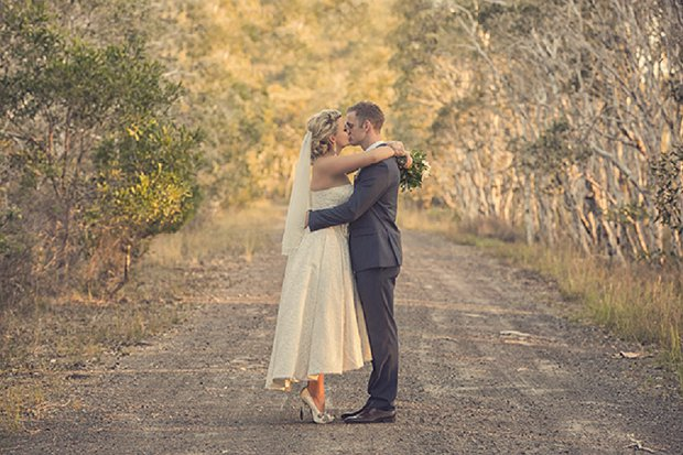 An Old School Romantic DIY Wedding With Vintage Touches_0061