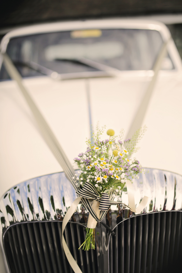 Black & White Stripes With Contrasting Floral Theme Real Weddng (10)