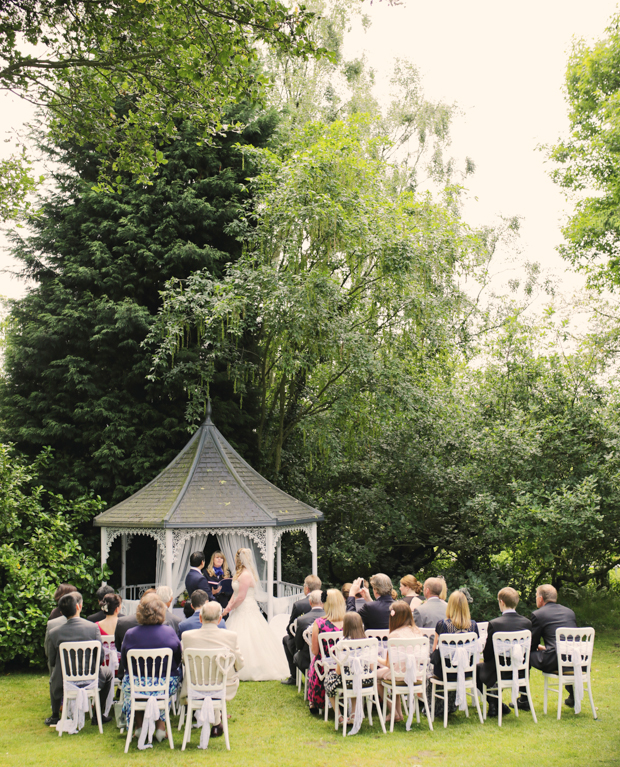 Black & White Stripes With Contrasting Floral Theme Real Weddng (16)