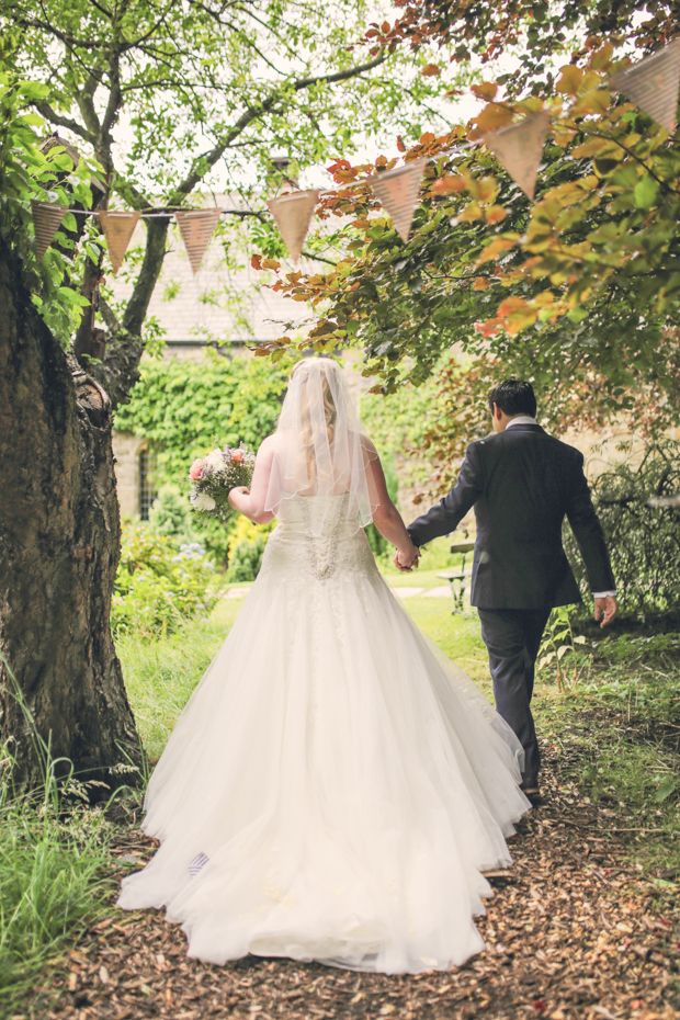 Black & White Stripes With Contrasting Floral Theme Real Weddng (21)
