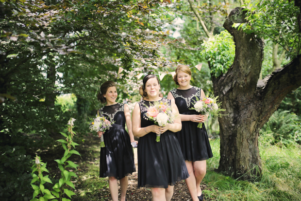 Black & White Stripes With Contrasting Floral Theme Real Weddng (22)