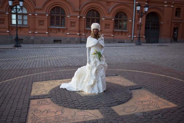Brett & Amelia's World Wedding Tour The Kremlin, Moscow (6)