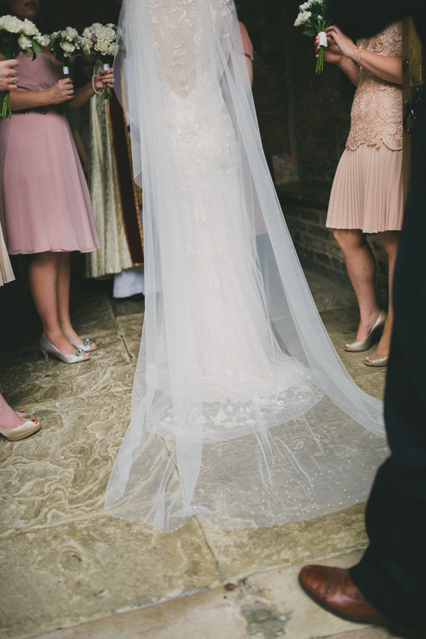 Relaxed Vintage Glamour Wedding With Jenny Packham Bride: Emma & Chris