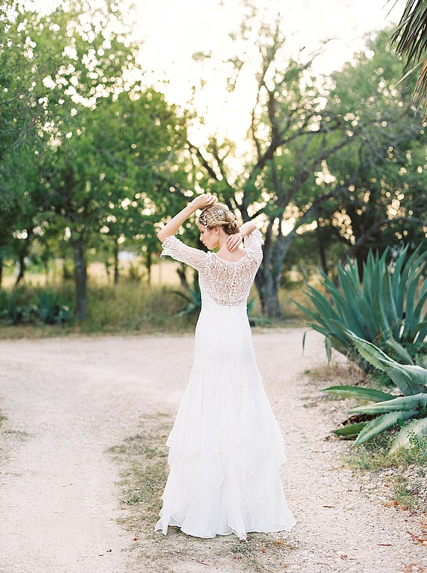 Saint Isabel An Effortlessly Romantic Bridal Collection_0008