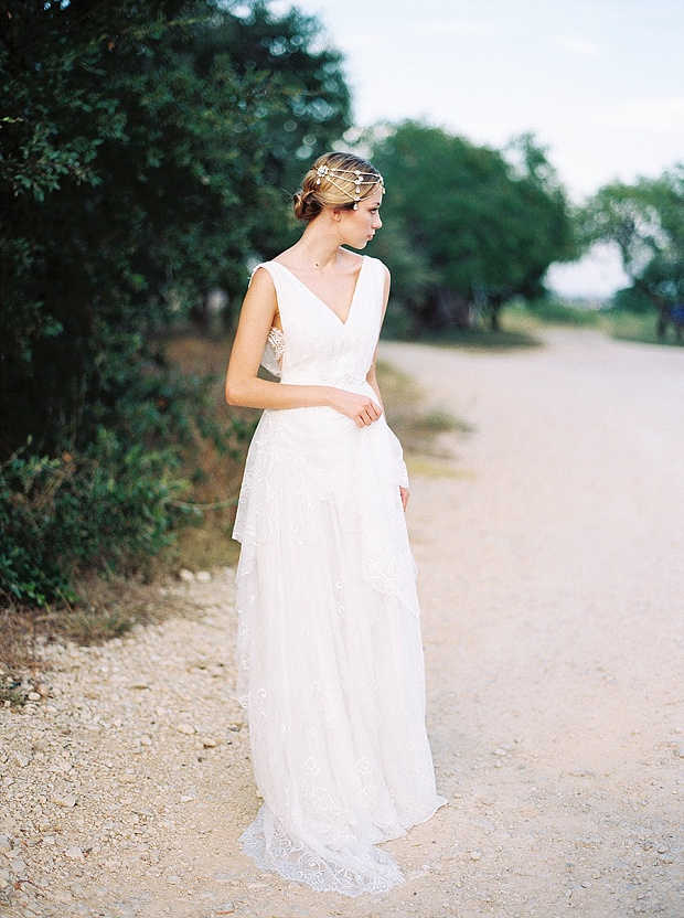 Saint Isabel An Effortlessly Romantic Bridal Collection_0011