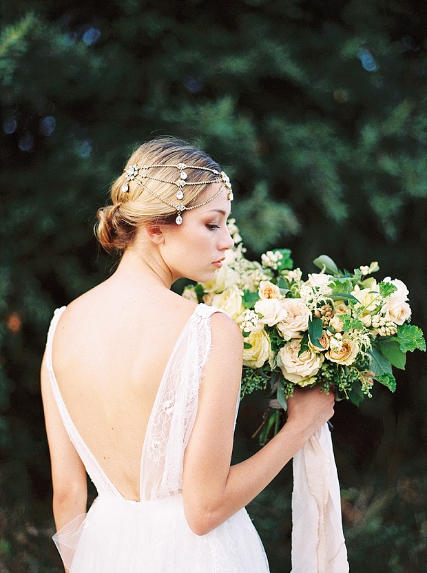 Saint Isabel An Effortlessly Romantic Bridal Collection_0012