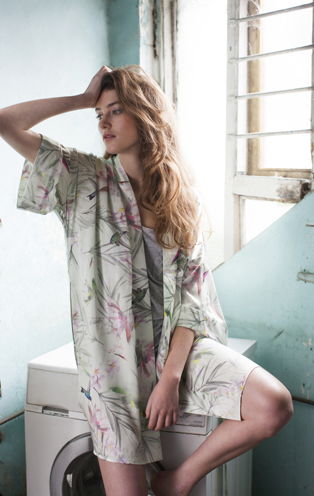 Violet & Wren: Win a Luxury Silk Kimono - So Beautiful For Your Wedding Morning