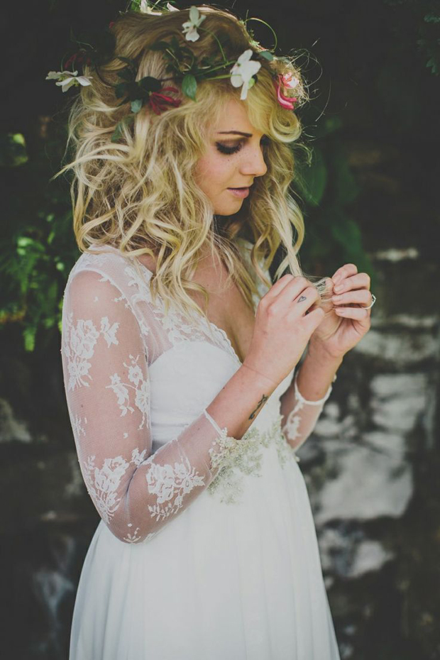 Messy Hair Don't Care! 10 Messy Bridal Hairstyles That Just Don't Give a Damn