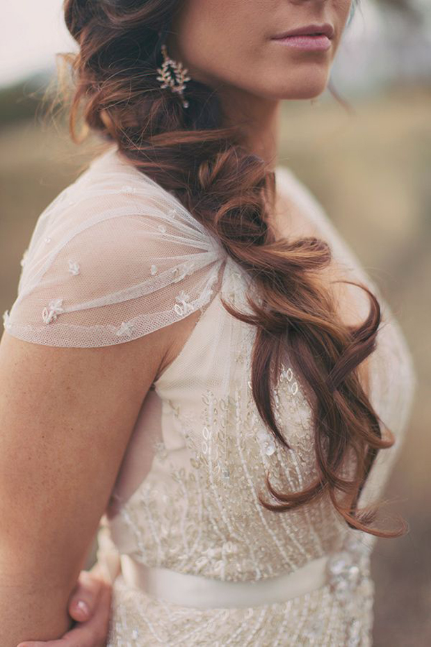 Messy Hair Don T Care 16 Messy Bridal Hairstyles That Just Don T Give A Damn