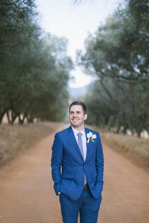 Raw Wood, Foliage Chandeliers & White Flowers Stellenboche Wedding: Susy & Eugene