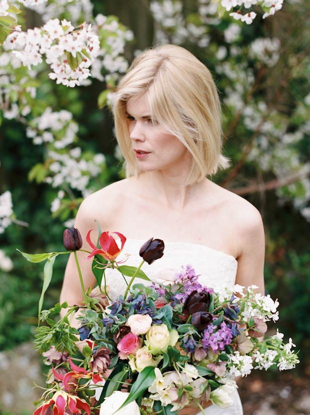 Blossoming Garden: Fragrant Jasmine & Beautiful Florals Bridal Shoot