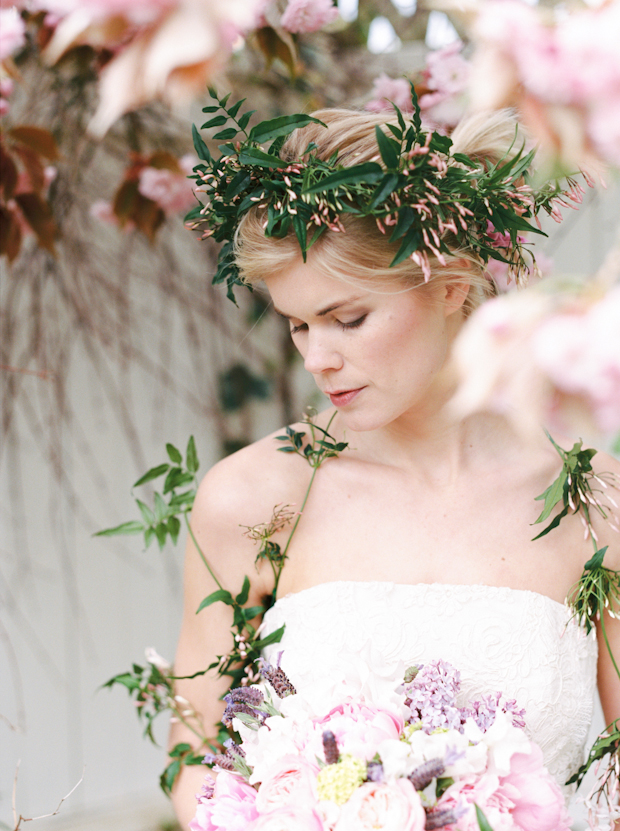 Blossoming Garden: Fragrant Jasmine & Beautiful Florals Bridal Shoot
