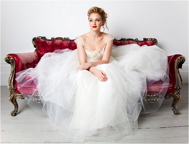 Emma Hunt - Wedding Dress Sample Sale_0000