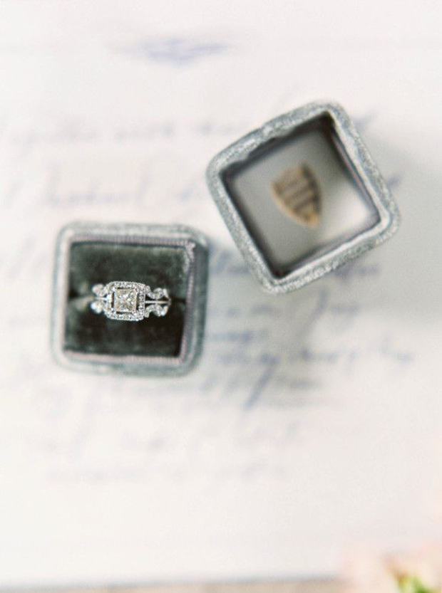 vintage enagegement ring in antique grey velvet ring box
