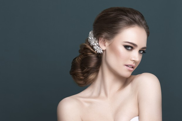 Bridal Make-up Eyeshadow Shades to Suit Each Eye Colour (3)