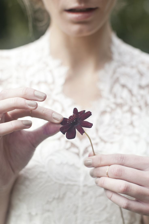 Winter Garnet Wedding Inspiration & Colour Ideas