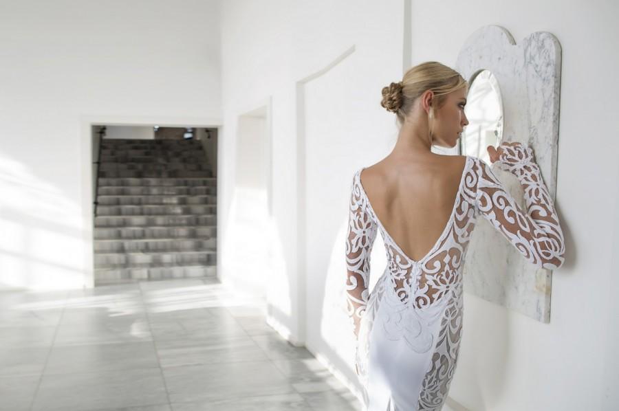 Lightness & Romance! Riki Dalal's 5th Wedding Dress Collection: Valencia