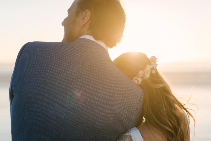 A Beautiful Beachy Wedding With Rustic Beach Wood, Coral & Peach Manu & Jennifer (129)