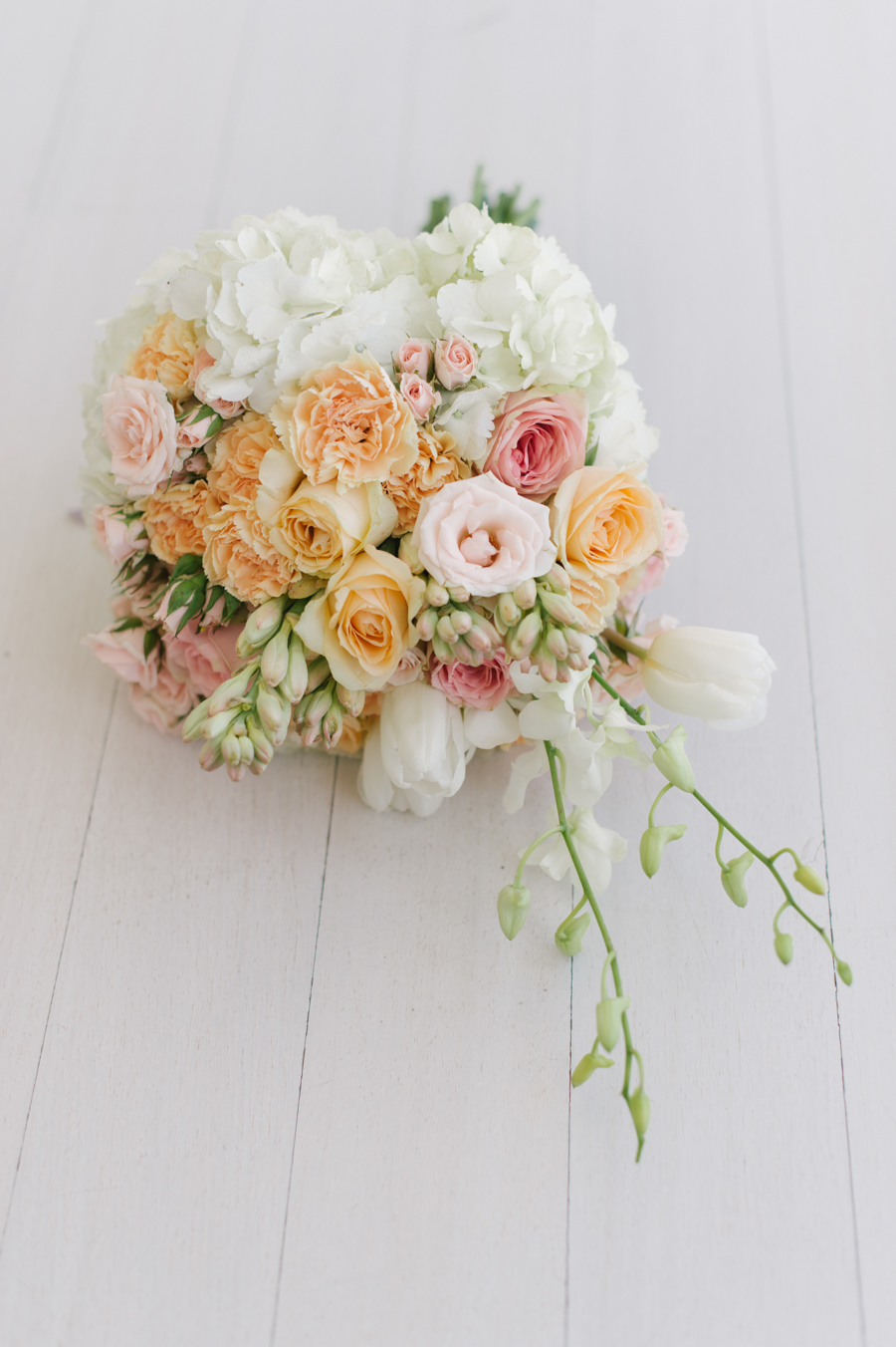A Beautiful Beachy Wedding With Rustic Beach Wood, Coral & Peach ...