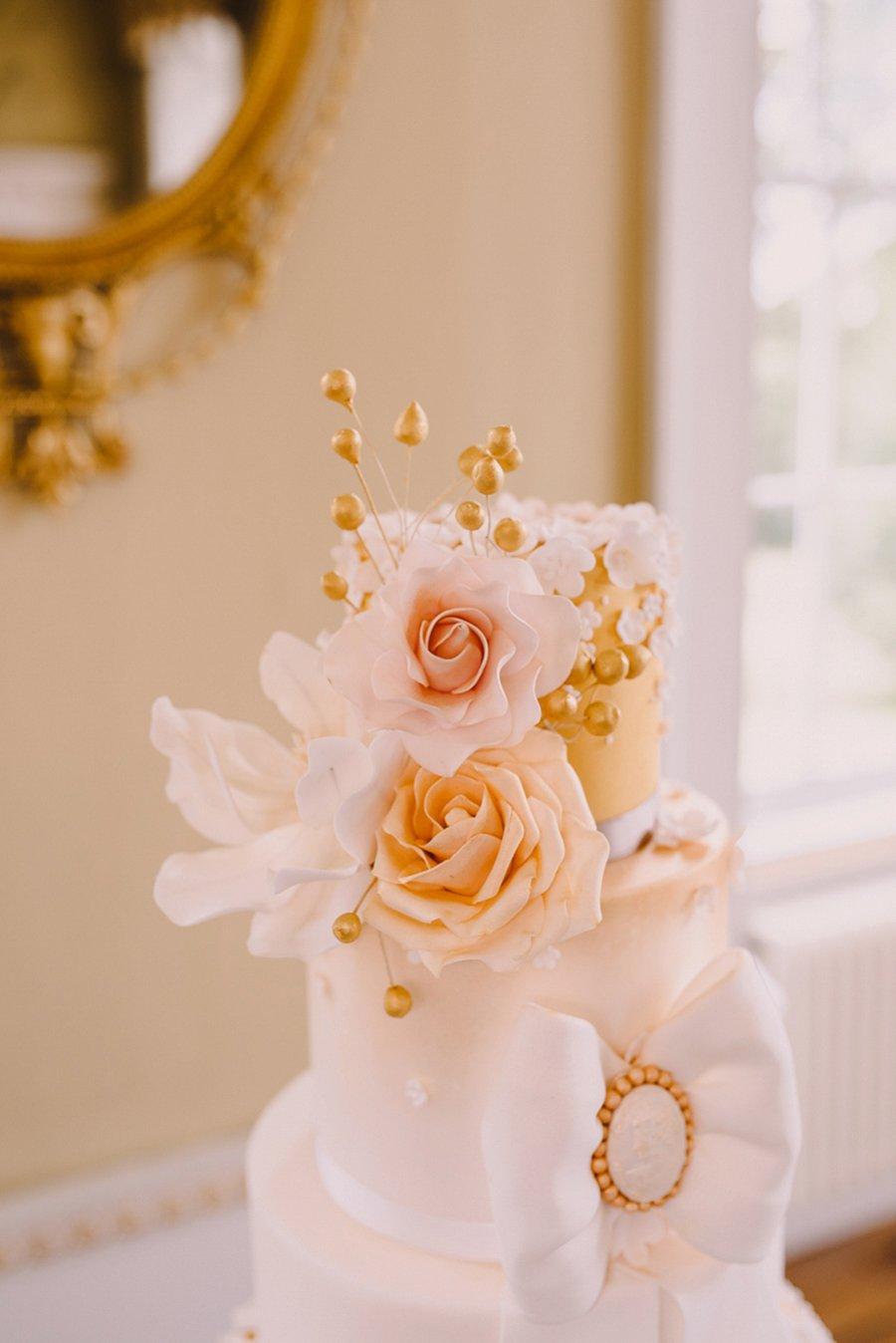 Stylish, Luxe Bridal Shoot With Elegant Tones of Gold, Nude & Marsala! Stylish, Luxe Bridal Shoot With Elegant Tones of Gold, Nude & Marsala!
