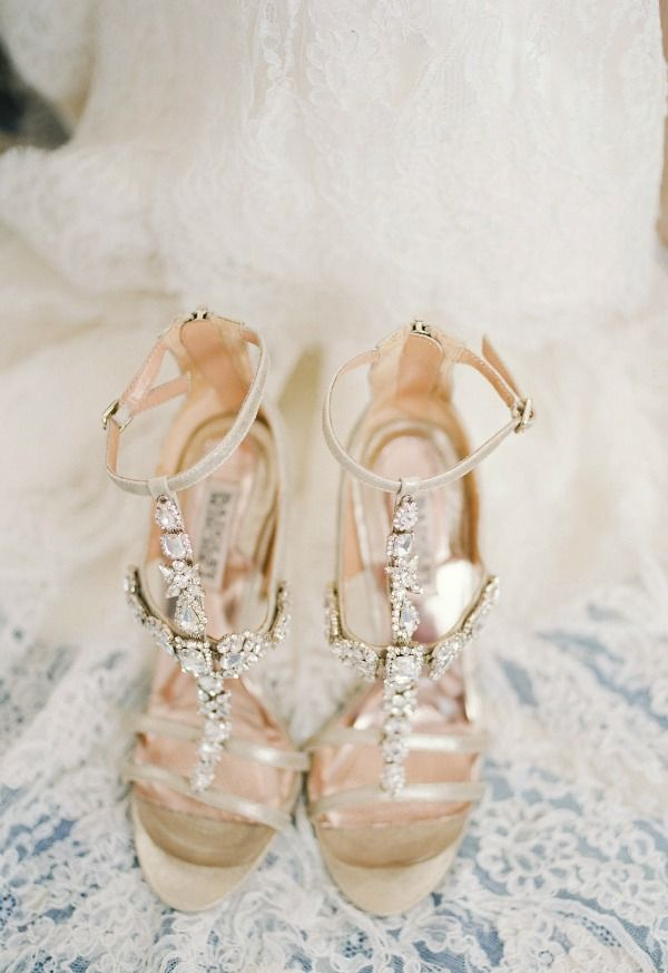 Top Five SIMPLE Tips For Being an Incredibly Chic Bride! (6)