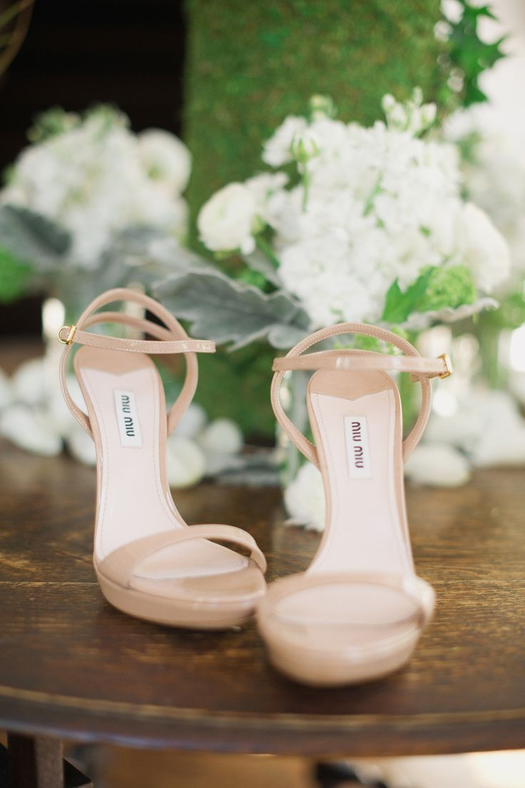 Top Five SIMPLE Tips For Being an Incredibly Chic Bride! (8)