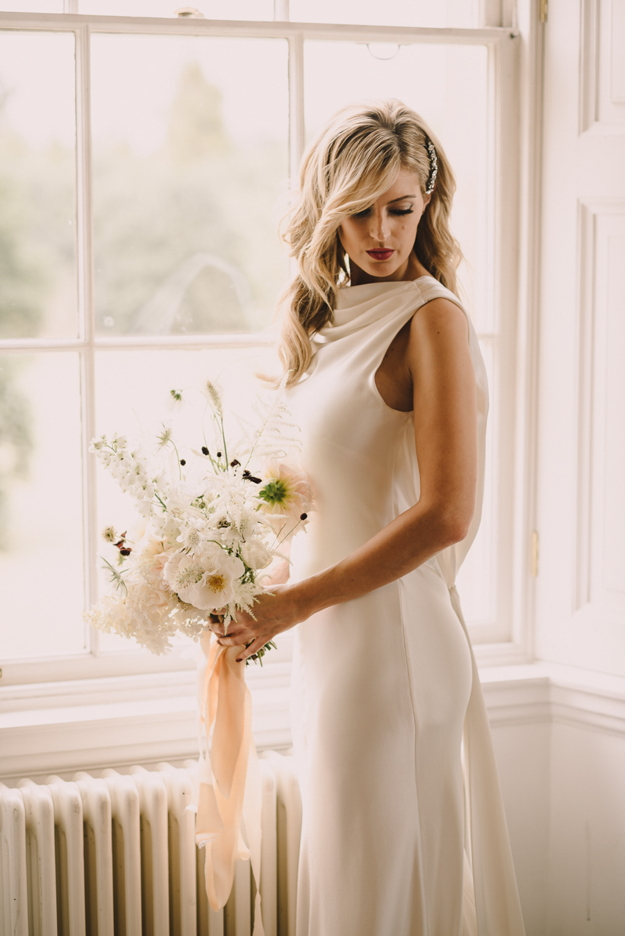 Stylish, Luxe Bridal Shoot With Elegant Tones of Gold, Nude & Marsala!