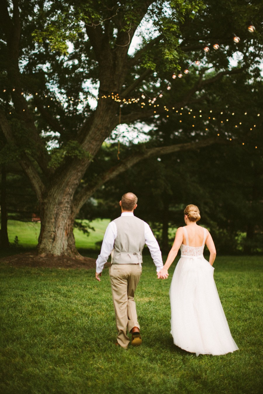 Simple Vintage Barn Wedding with Wildflowers and Antique Charm: Kelsie & Ryan