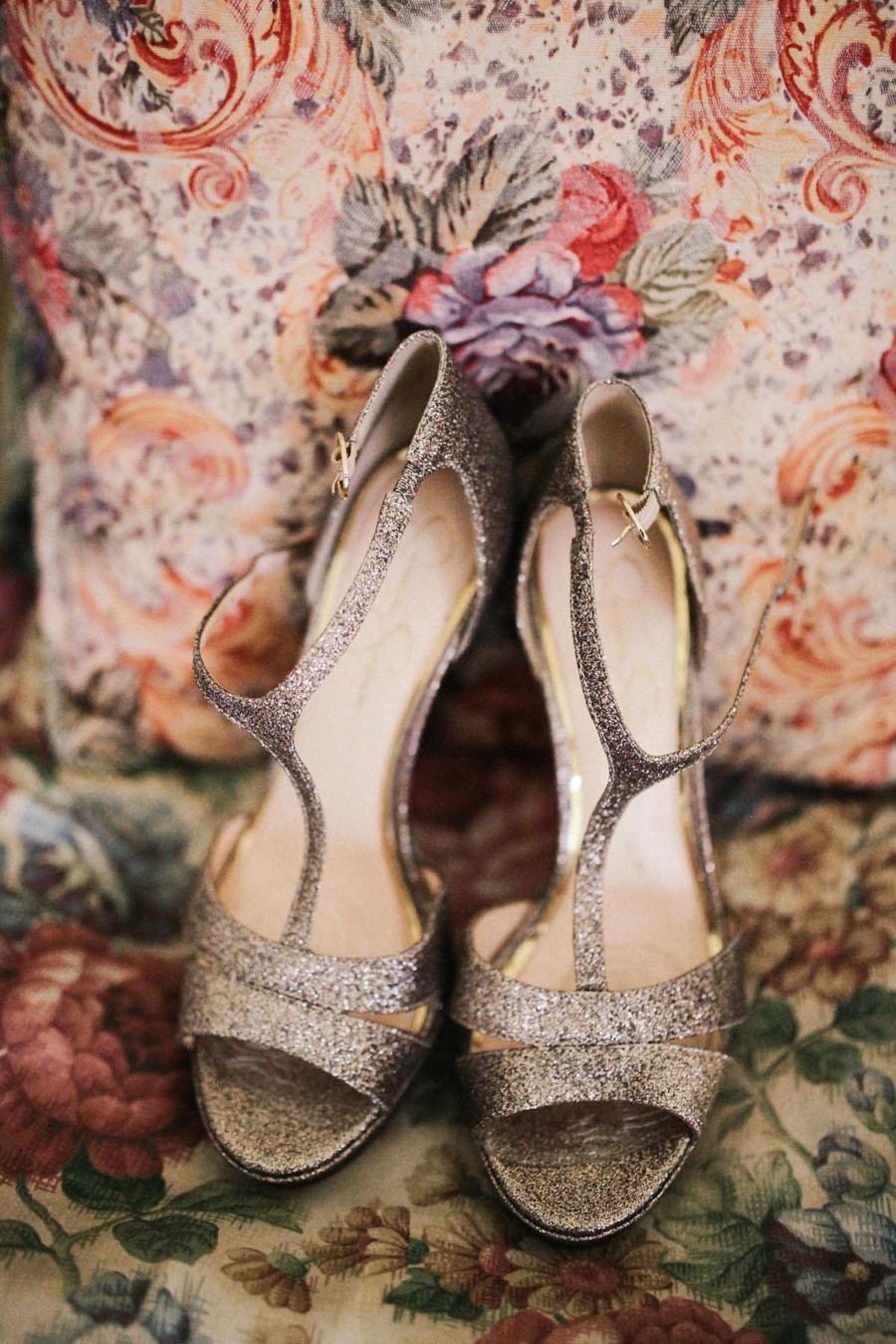 Uncategorized outdoor vintage glam wedding rustic wedding chic - Amazing Wedding Dress Designer Anna Campbell S Rustic Glam Wedding
