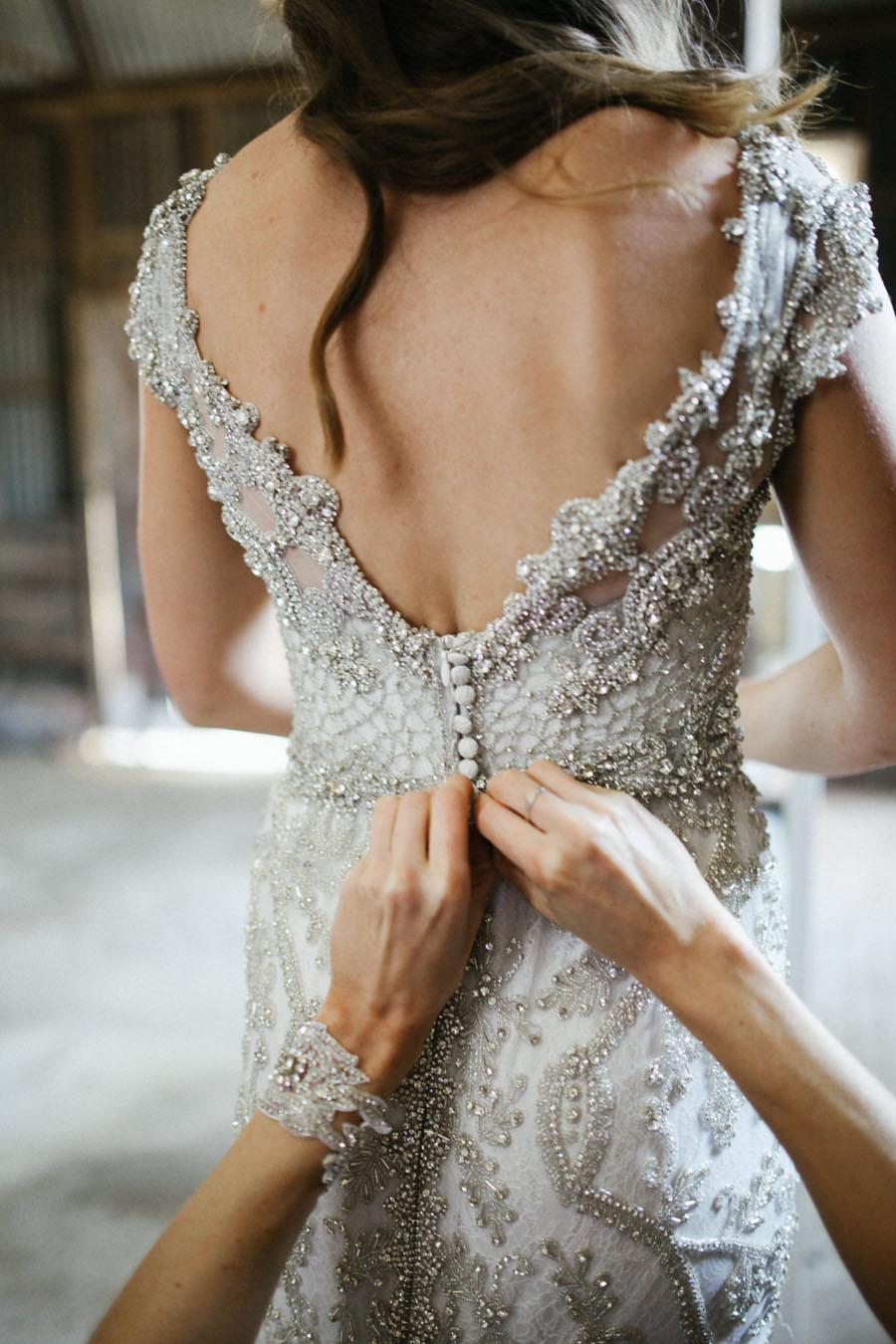 Uncategorized/outdoor vintage glam wedding rustic wedding chic - Amazing Wedding Dress Designer Anna Campbell S Rustic Glam Wedding Bridalpulse