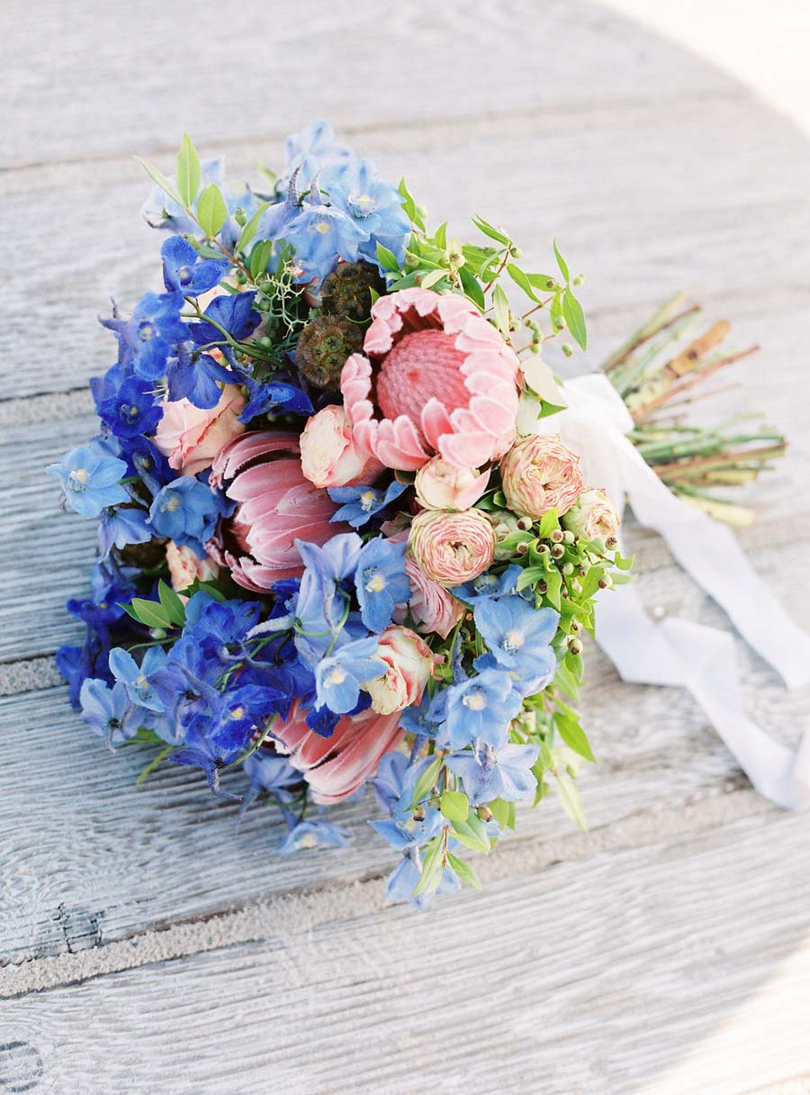 Beautiful bridal wedding bouquet trends for 2016 for Pink and blue flower arrangements