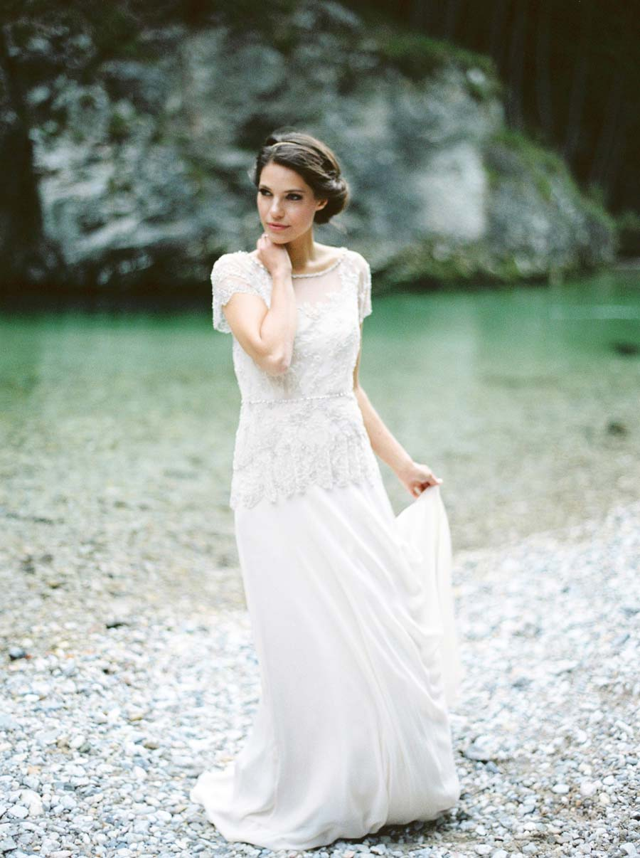 Two Lovely Berries: A Gorgeous Bridal Shoot Inspired by Shakespeare Poem!