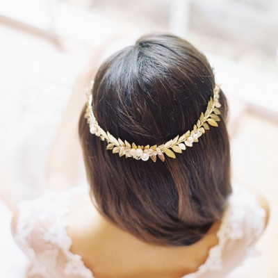 Gold Hair Vine etsy.com:listing:156696962:laurel-crown-wedding-headpiece-hair?ref=shop_home_active_24