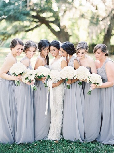 Simple Ways To Pull Off A Minimalist Chic Wedding Theme