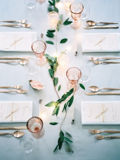 minimalist wedding weddingsparrow.co.uk - peachesandmint.com: