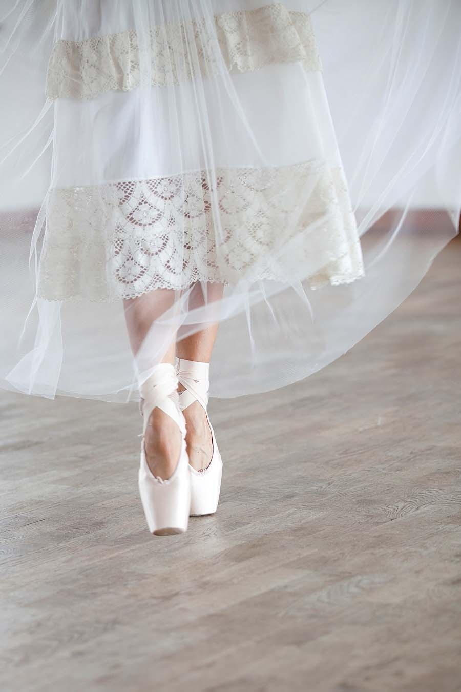eco ballerina bridal an eco wedding editorial to inspire ethically conscious brides. Black Bedroom Furniture Sets. Home Design Ideas