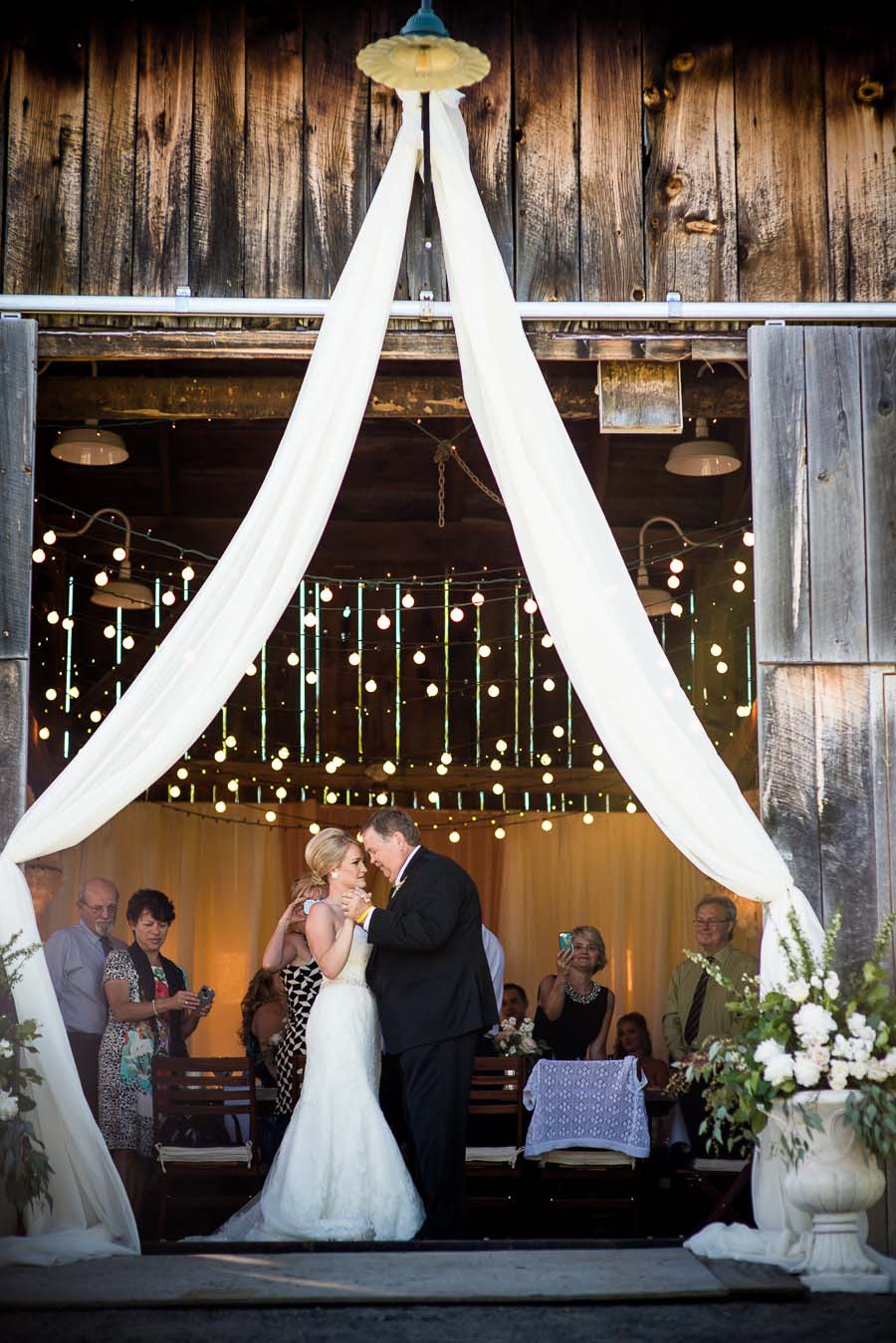 beautiful barn wedding23