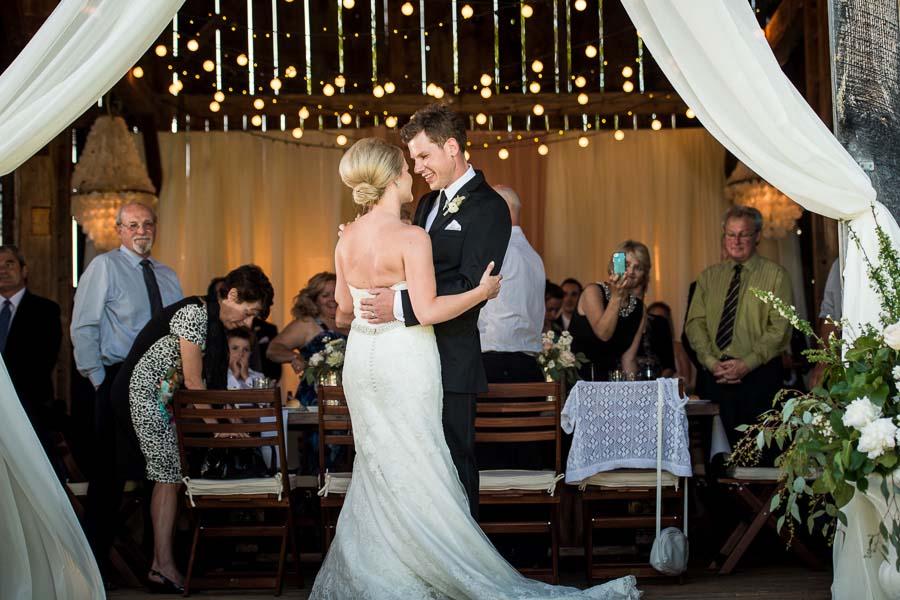 beautiful barn wedding65