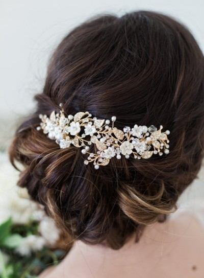 etsy.com:uk:listing:260295772:gold-flower-headpiece-ivory-flower-hair?ga_order=most_relevant&ga_search_type=all&ga_view_type=gallery&ga_search_query=&ref=sr_gallery_4