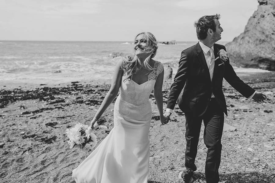relaxed beach wedding38